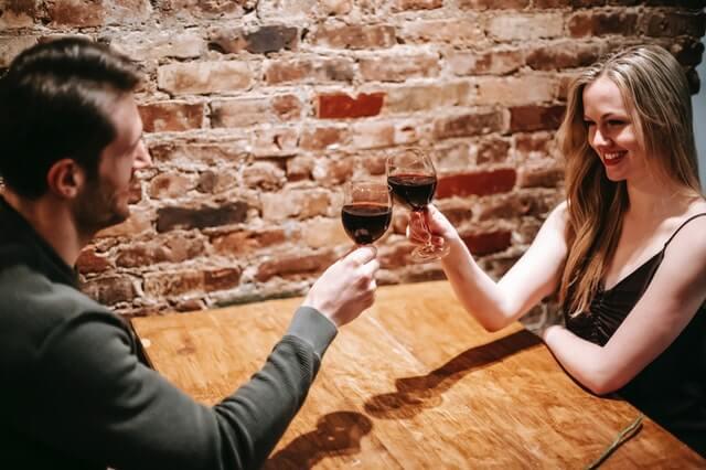 Wie du Flirtsignale von Frauen richtig deutest